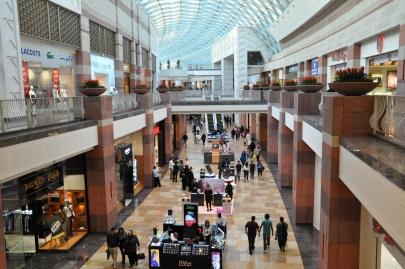 Dubai mall welche geschäfte gibt es